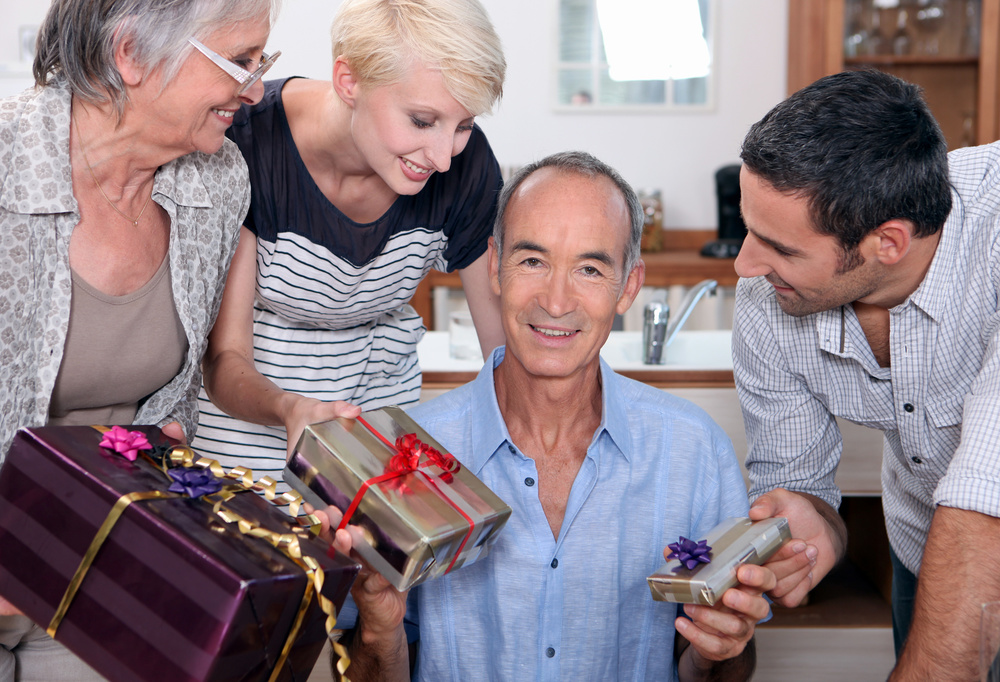 Personalized Gifts for Family Reunions: Gift Ideas Your Family Will Love